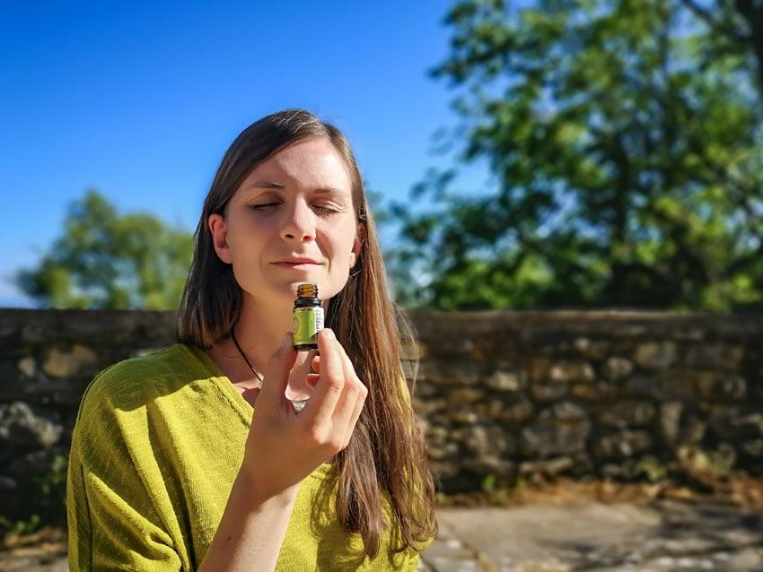 duft-oel-meditieren-zen