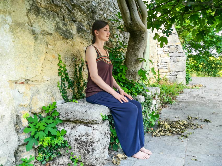 meditationssitz-aegyptischer-sitz-stuhl