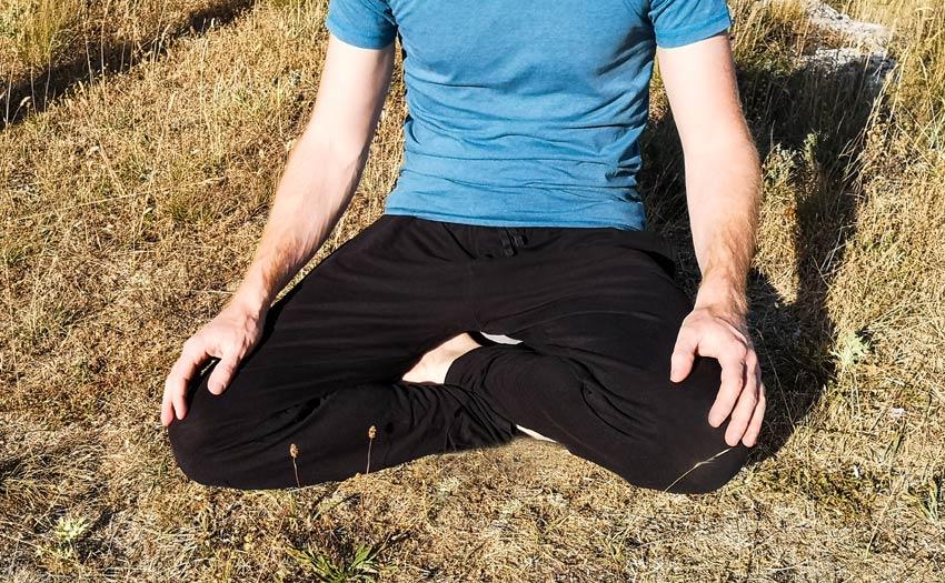 meditationssitz-schneidersitz-klassiker