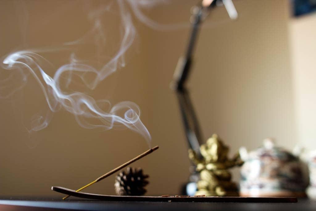 meditationszubehoer-raeucherstaebchen
